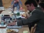 Vedoucí střediska br. Autíčko čte zprávu o činnosti za poslední funkční období.