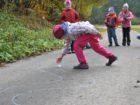 049-Normální chůze už je asi nudila...