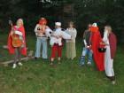 Celá skupinka v druidské vesnici.