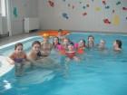 Světlušky v bazénu