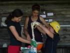 """pečení hadů-příprava """"těsta"""" :)"""