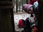 Andrejka přidává mrkvičky.
